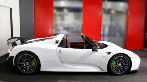 Porsche 918 Spyder Weissach Package 2015 года без пробега