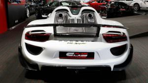 Супергибрид Porsche 918 Spyder Weissach Package в Дубае