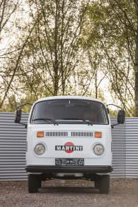 Volkswagen T2 Transporter Martini Racing 1977 года выпуска