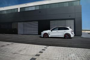 Porsche Cayenne Magnum Sport 30 Years TechArt