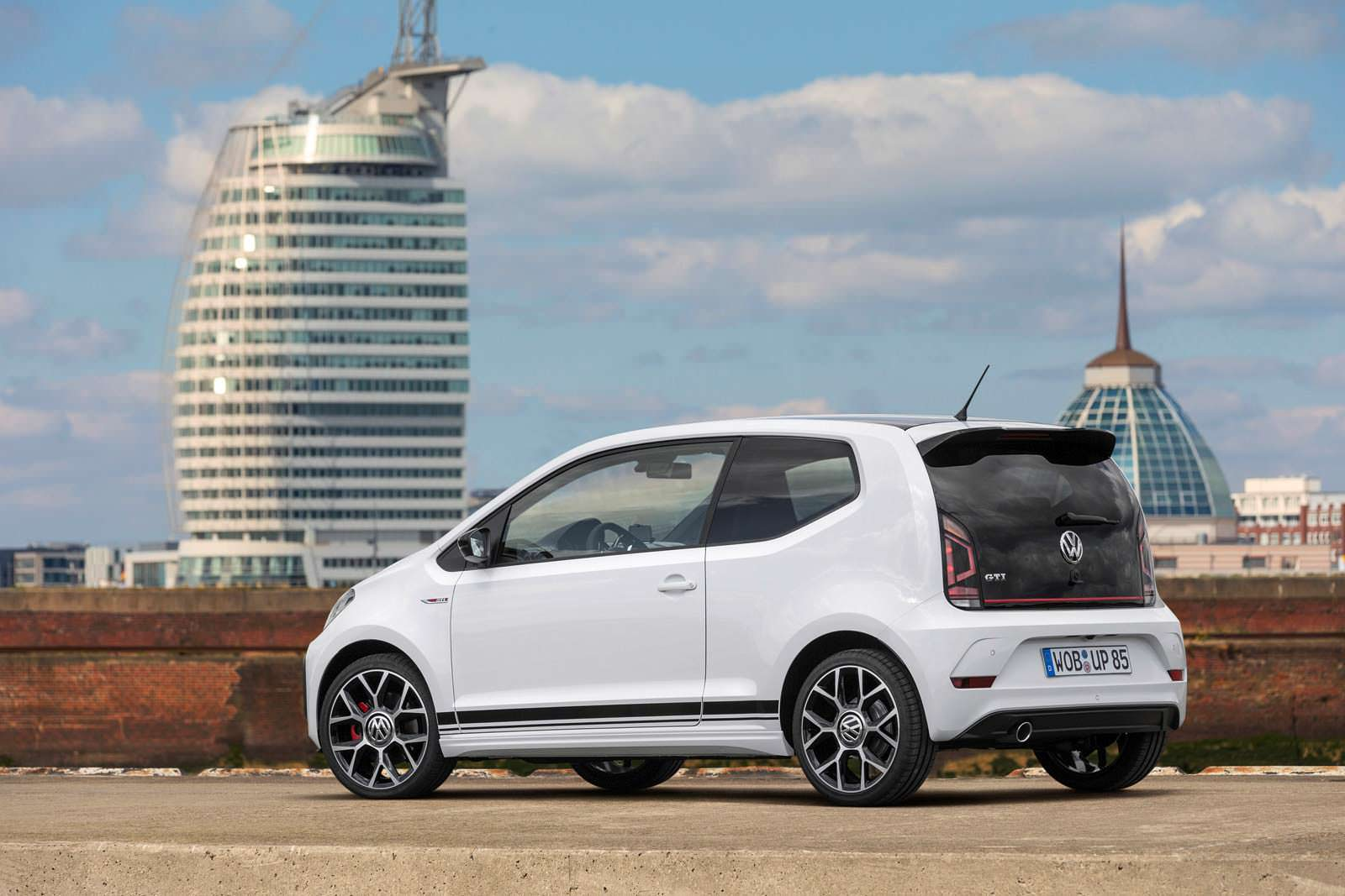 Фото | Volkswagen Up! GTI. Концепт 2017 года