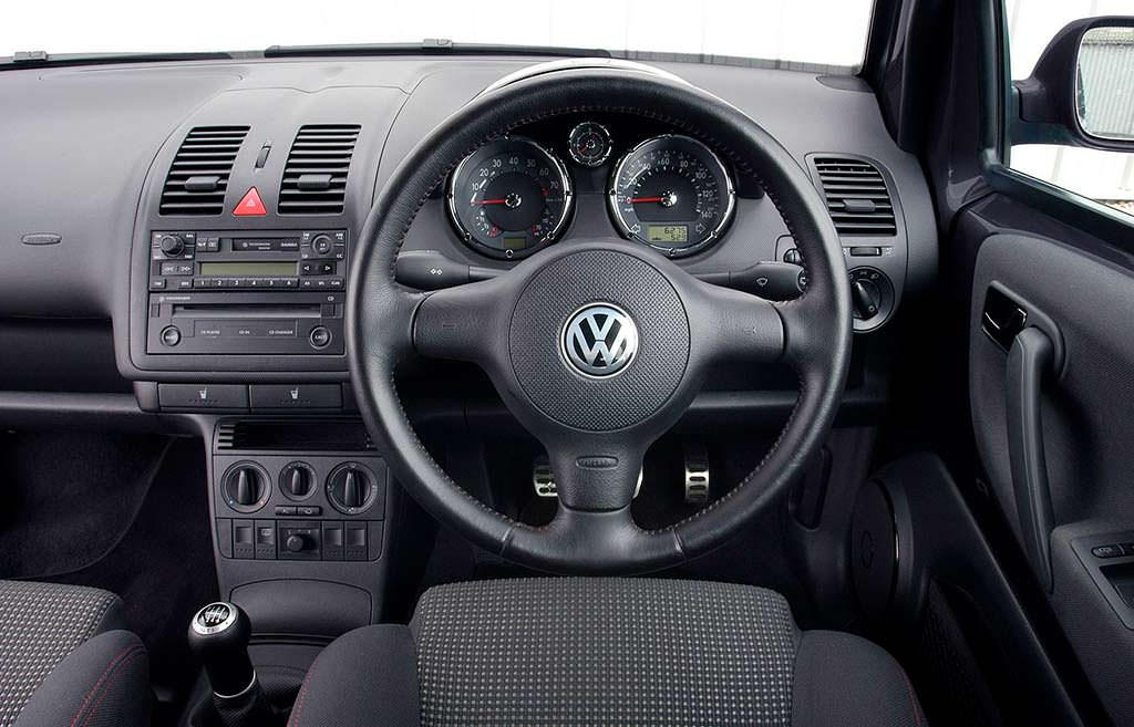 Фото салона Volkswagen Lupo GTI
